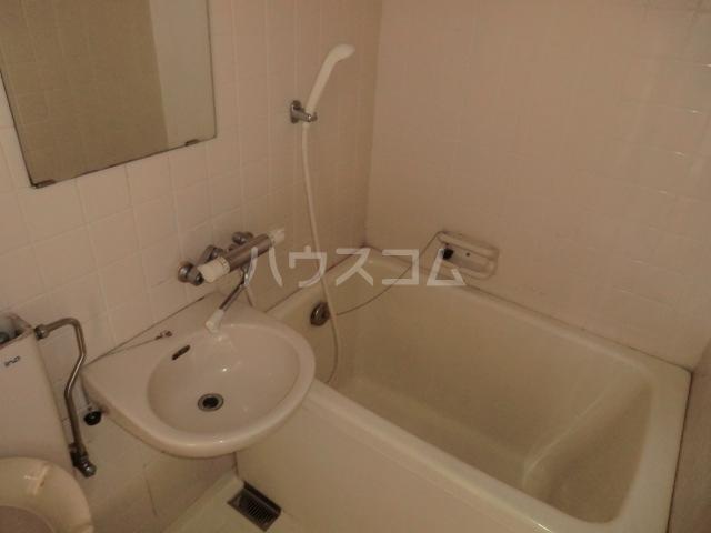 ベルハイム 402号室の洗面所