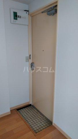 スミセイビル2 303号室の玄関