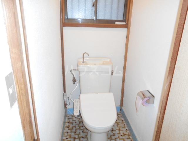 曙町4丁目貸家のトイレ