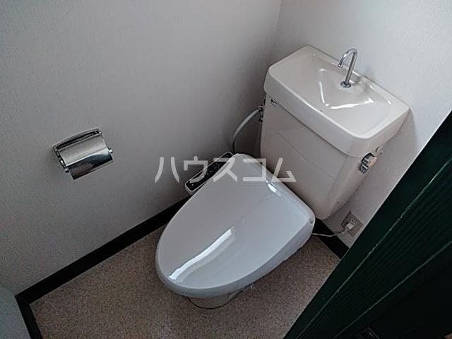 ウッディハイツ富田 103号室のトイレ