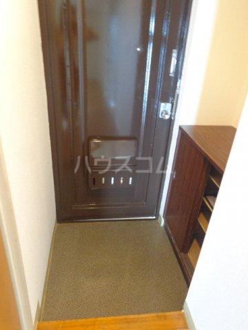 ロイヤルマンション西片貝 02030号室の玄関