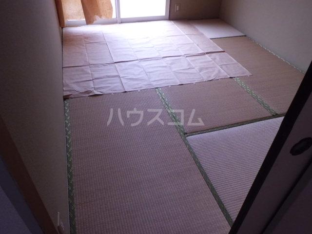 パヴィヨン1 203号室のベッドルーム