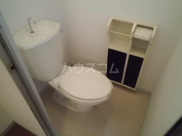 パヴィヨン1 203号室のトイレ