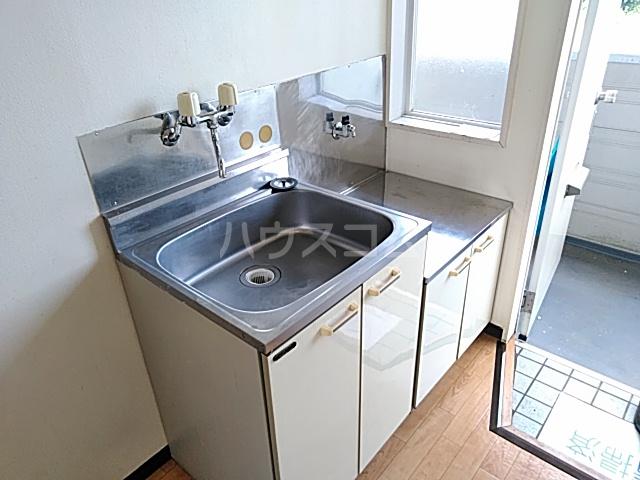 アーバニーハイム磯部 102号室のキッチン
