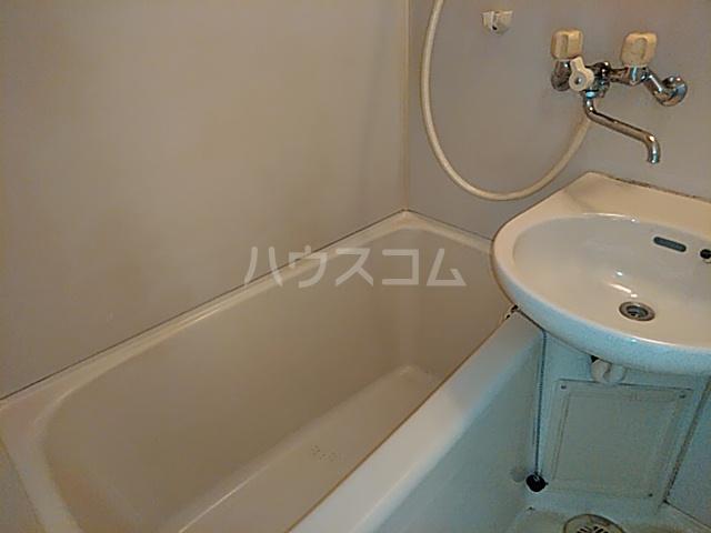 アーバニーハイム磯部 102号室の風呂