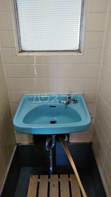 総和ハイツ6 403号室の洗面所