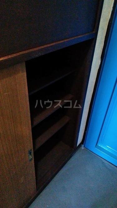 総和ハイツ6 403号室の玄関