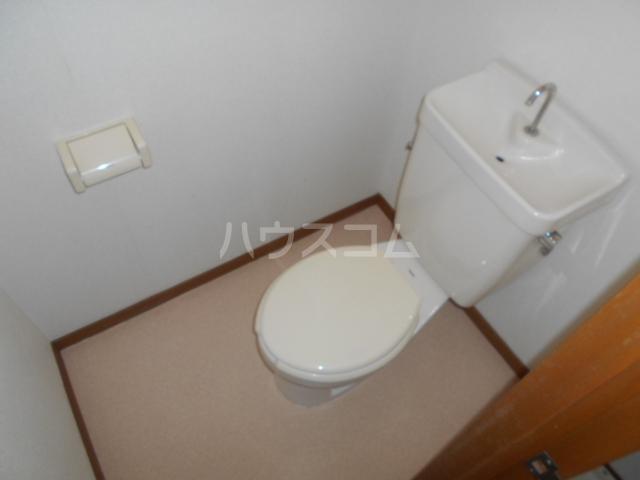 エルディムライフ 201号室のトイレ