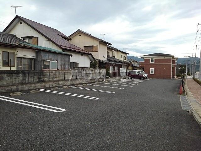 アルモニ-B 02020号室の駐車場