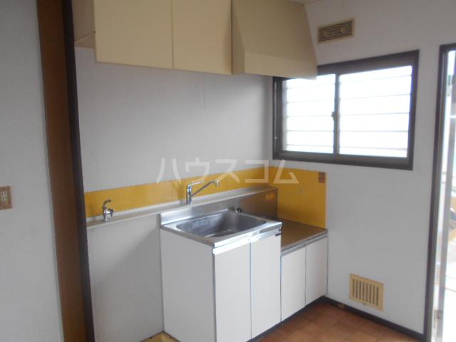 富士ハイツF棟 202号室のキッチン