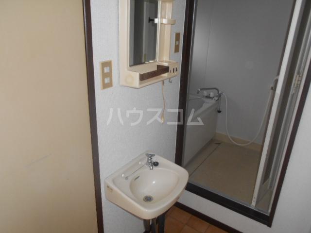 富士ハイツF棟 202号室の洗面所