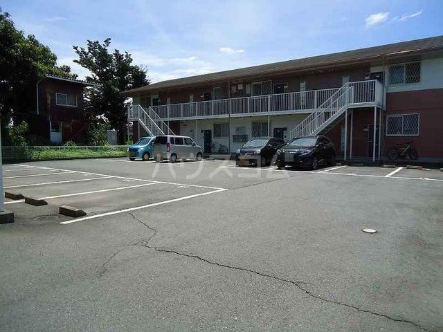 パークウッドB 02020号室の駐車場
