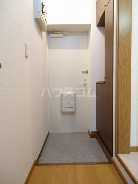 パークウッドB 02020号室の玄関