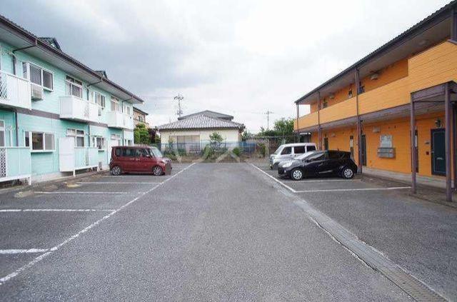 コートビレッジヤマモトB 02020号室の駐車場