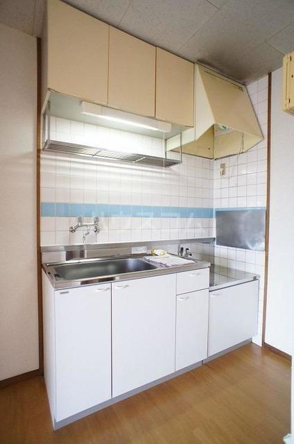 コートビレッジヤマモトB 02020号室のキッチン