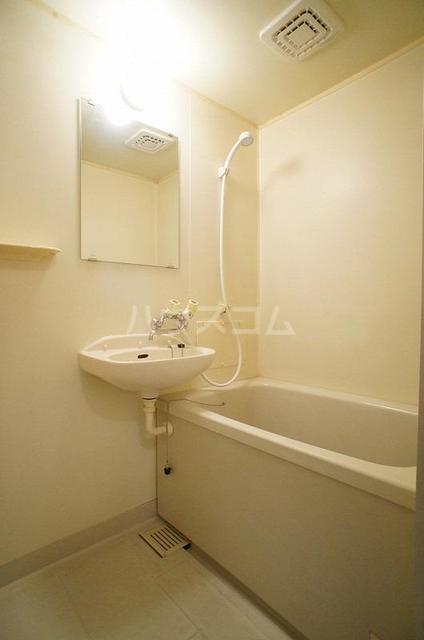 コートビレッジヤマモトB 02020号室の風呂