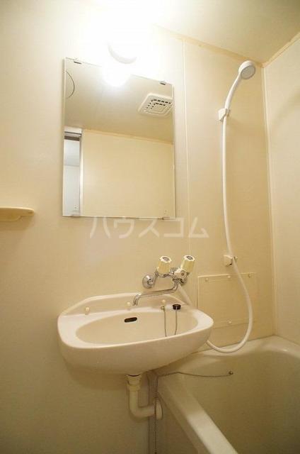 コートビレッジヤマモトB 02020号室の洗面所
