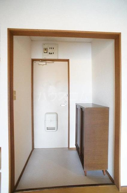 コートビレッジヤマモトB 02020号室の玄関