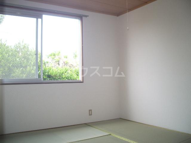 メゾン竜蔵寺 101号室のベッドルーム