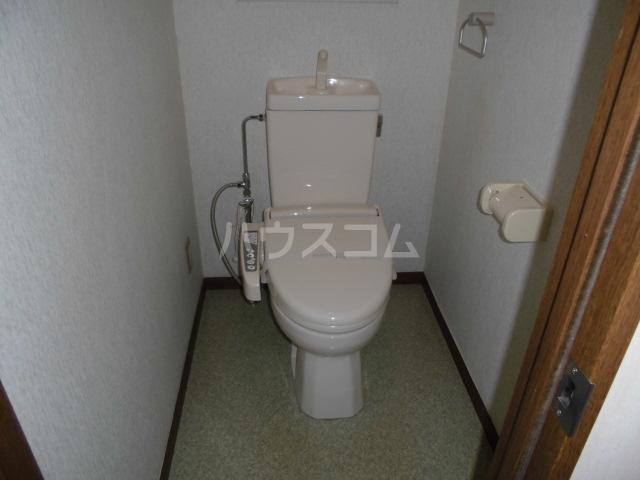 ローズガーデン前橋 601号室のトイレ