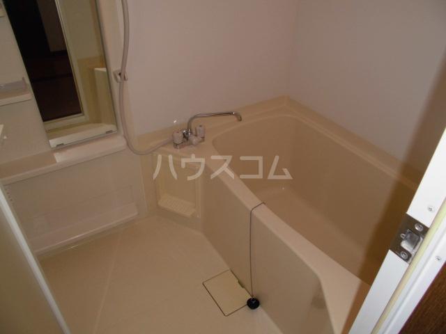 ローズガーデン前橋 601号室の風呂