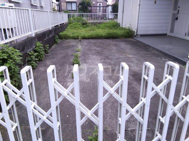 Yハウスの駐車場