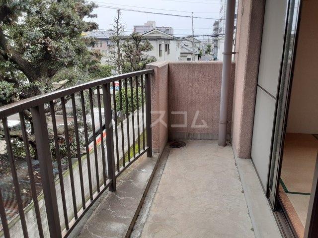 ライブパレス花水木 203号室の駐車場
