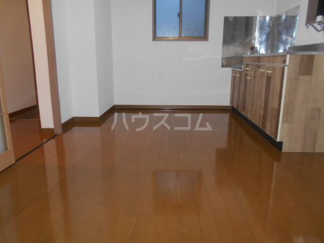 スズランハイツAⅠ 203号室のリビング