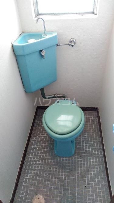 総和ハイツ6 407号室のトイレ