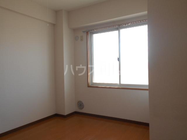 メゾン・ド・プロバンス 305号室の居室