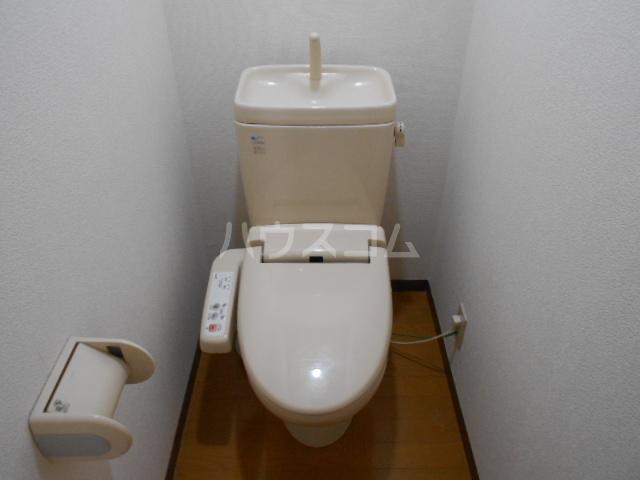 メゾン・ド・プロバンス 305号室のトイレ