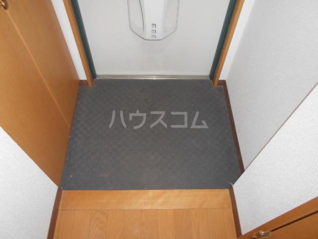 メゾン・ド・プロバンス 305号室の玄関