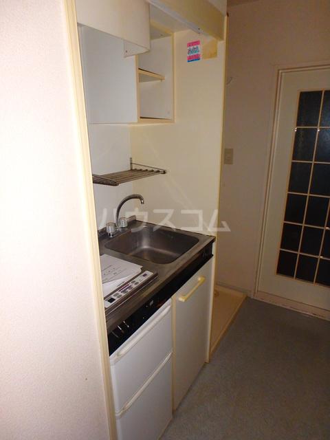 アルファレス昭和町 201号室のキッチン