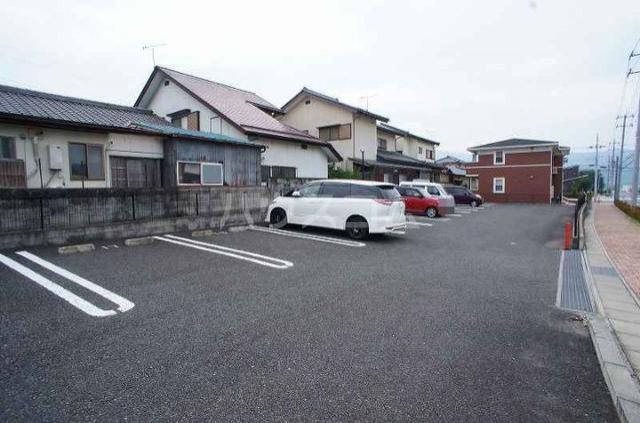 アルモニ-B 01020号室の駐車場