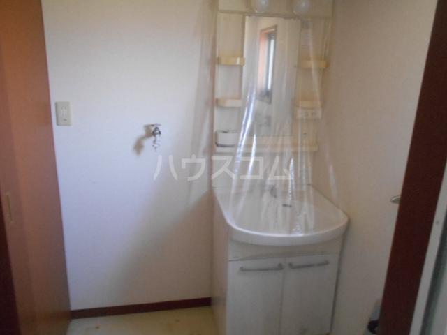 ロワール C棟 202号室の洗面所
