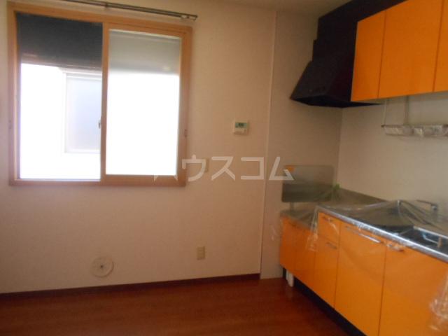 ロワール C棟 202号室のキッチン