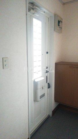 ラ・クレベールA 101号室の玄関