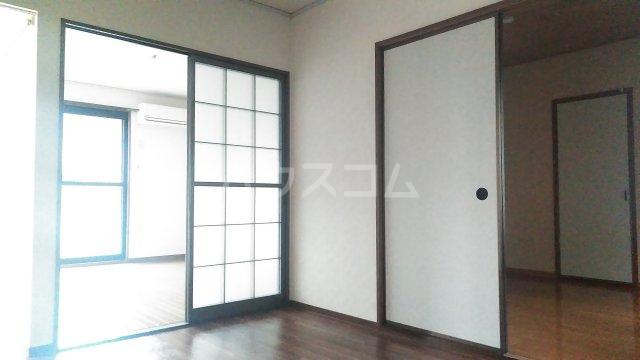 ラ・クレベールA 101号室の居室