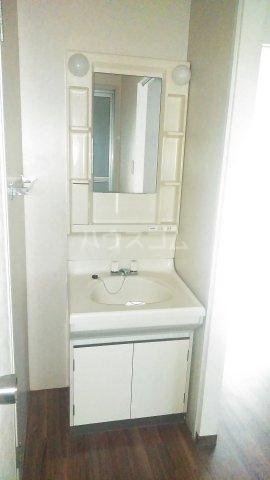 ラ・クレベールA 101号室の洗面所