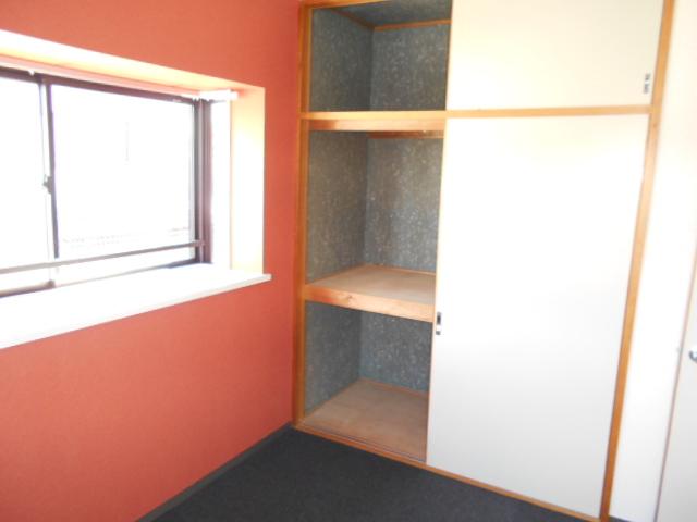 レジデンスY・S 303号室の収納