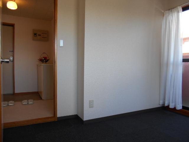 レジデンスY・S 303号室のリビング