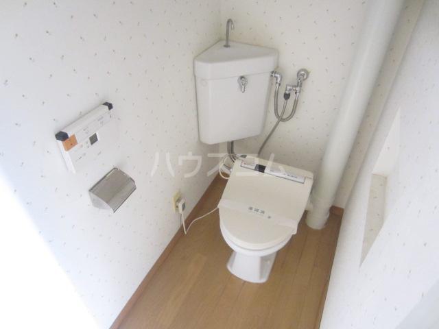 エスカイア大渡 303号室のトイレ