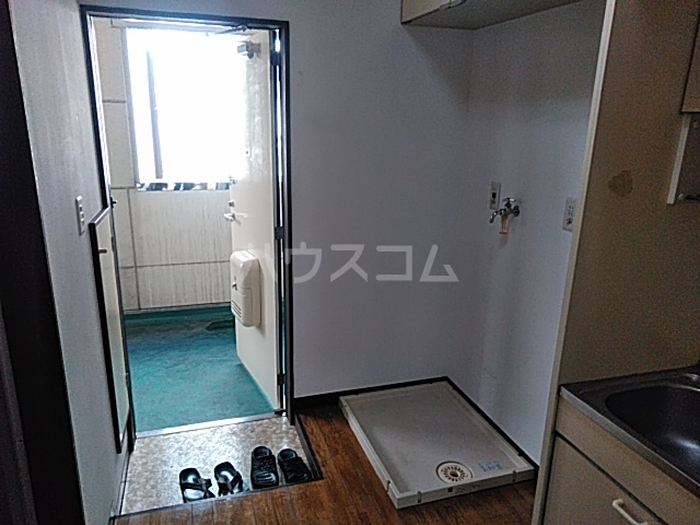 ハピネスハイツ 202号室の玄関