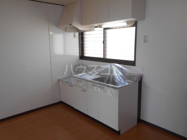 アカギ第2ハイツ 203号室のキッチン