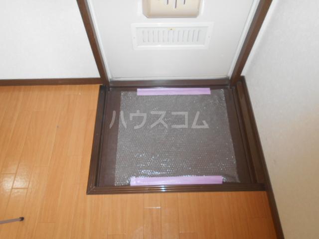 アカギ第2ハイツ 203号室の玄関