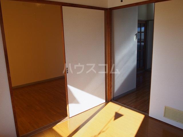 大塚ハイツC 201号室のエントランス