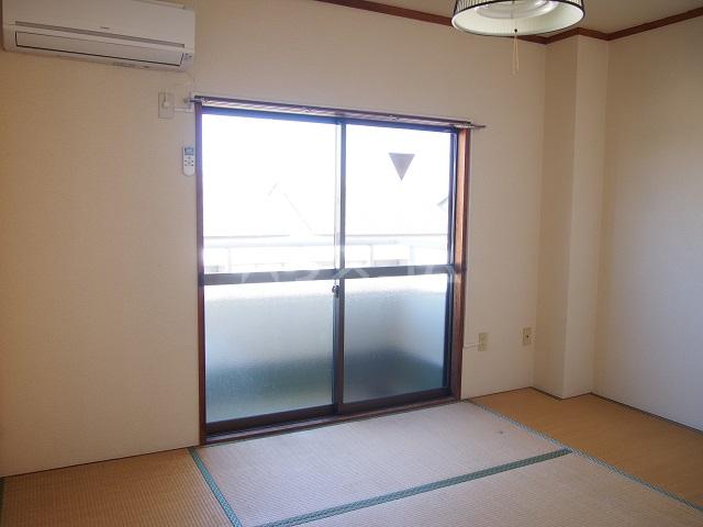 大塚ハイツC 201号室のベッドルーム