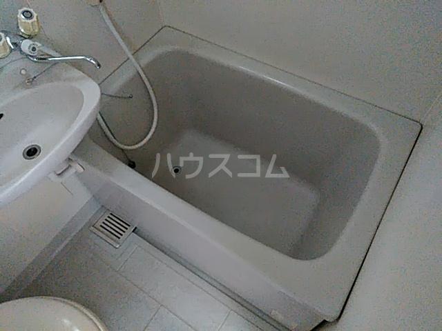 アルザス三番館 105号室の風呂