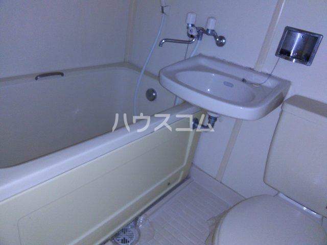 ホワイトビレッジ 103号室の風呂