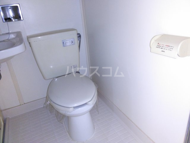 ホワイトビレッジ 103号室のトイレ